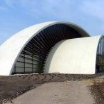 Das neue Champignonmuseum hat die Form eines Pilzes.