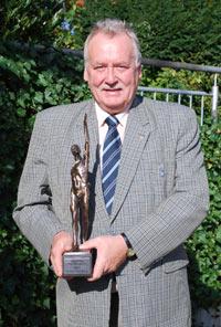 Michael Schattenberg, Geschäftsführer von Pilzhof Pilzsubstrat Wallhausen GmbH, freut sich über die Auszeichnung