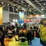 Gut gefüllte Messehallen und das internationale Angebot sind die Kennzeichen der Fruit Logistica