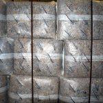 Die kompostierbare Folie ist transparenter als die herkömmliche, außerdem ist die Oberfläche sehr fein perforiert