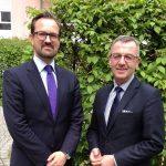 ZVG-Präsident Jürgen Mertz , rechts, mit Bertram Fleischer, der neuer Generalsekretär des Zentralverbandes Gartenbau wird.