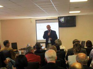 Der Franzose Didier Motte, Präsident der GEPC, bei seinem Vortrag zu Trends auf dem europäischen Markt