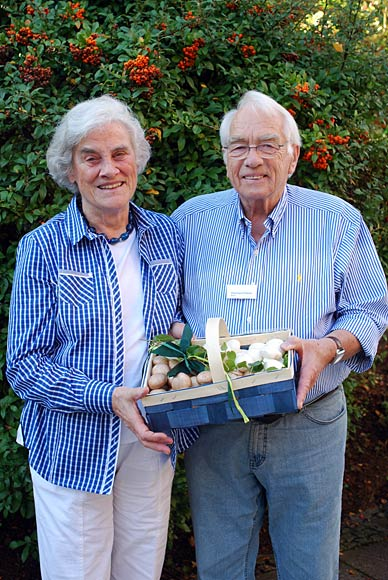 Eberhard Peters mit seiner Ehefrau Ingeburg bei der feierlichen Verabschiedung durch den BDC im Herbst 2012 in Rain/Lech
