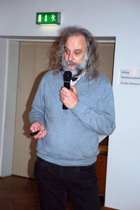Jürgen Kynast ist Vorsitzender der Hessischen Landesfachgruppe Pilzanbau.