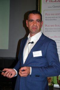 Frank Cornelissen setzt für die Zukunft auf Zwei-Lagen-Systeme.