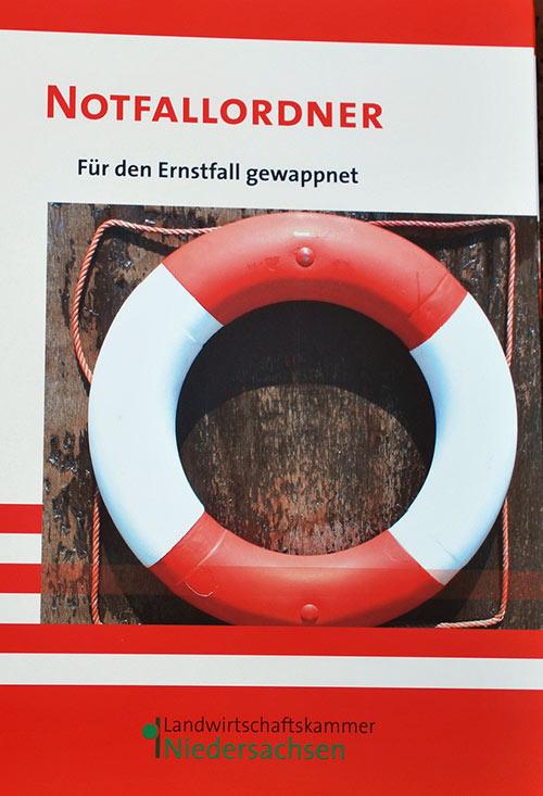 Der Ordner mit dem Rettungsring kann im Falle eines Falles zum Überleben des Betriebes beitragen.