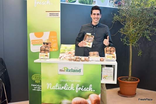 Mirko Kinzel, bei Pilzland für den Bio-Vertrieb zuständig, freut sich über gute Resonanz auf der Biofach.